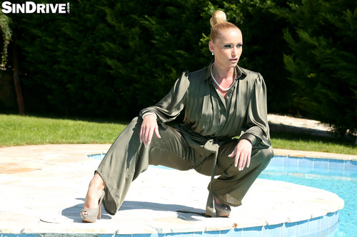 SinDrive.com - Kathia Nobili - Wet & Tasty Anal Pool Bang With Devious Housewife Kathia Nobili - The Rich Have No Morals