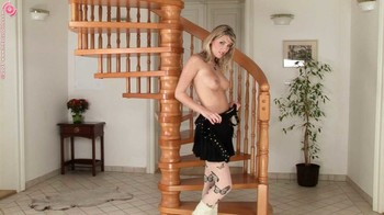 Denisa Brazdova - Stairwell Surprise, HD