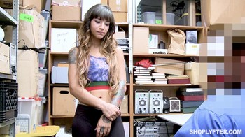 Shoplyfter Kitty Carrera