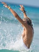 Victoria-Hervey-swimsuit-titslip-n6rmmdhfm1.jpg