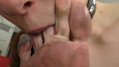 Clean My Big Dirty Feet Slave Girl FULL HD