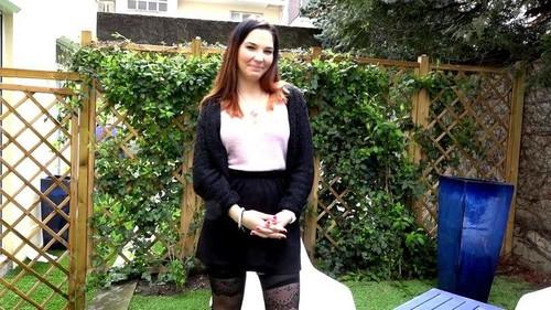 Adria, 23ans, objectif deux mecs - Adria (JacquieEtMichelTV.net-2018)