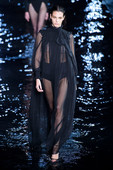 Vittoria-Ceretti-seethrough-%40-the-catwalk-p6rmfrsj0d.jpg