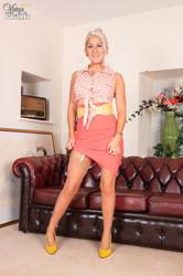 Lu Elissa - Stay and stripr7be59o0ny.jpg