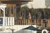 Cara Delevingne caught topless @ balcony in Malibu 26rre0r4j1.jpg