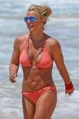 Britney Spears hot bikini photos b6rreh1jyv.jpg