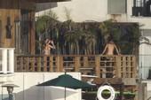 Cara Delevingne caught topless @ balcony in Malibu b6rre0qavy.jpg