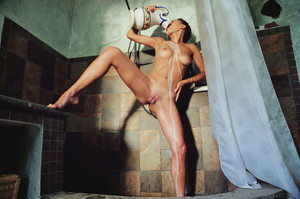 Gloria Sol In Milk Shower - October 04, 2018e6rnpqsusj.jpg