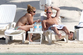 Billie Piper topless @ the beach 56rrdr8dye.jpg