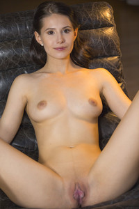 Vanessa Angel - Frisuray6rv9bjrz2.jpg