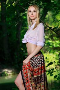 Maria Rubio - Presenting-h6w9vs9sir.jpg