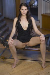 Vanessa Angel - Frisura-g6rv8xisvk.jpg