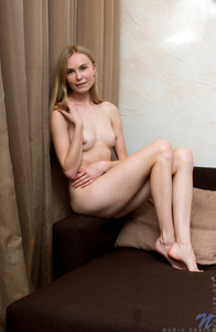 Maria Rubio - Young Russiane6rugwv7d0.jpg