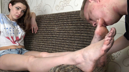 Vicky - clean my dirty soles! Full HD