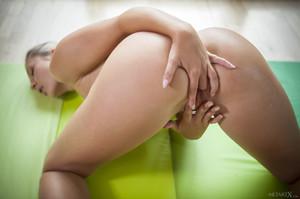 Tracy Lindsay In Flexible 1 - February 02, 2018t6rtj7ckym.jpg