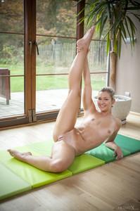 Tracy Lindsay In Flexible 1 - February 02, 2018g6rtj7d0fm.jpg