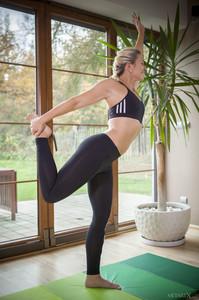 Tracy Lindsay In Flexible 1 - February 02, 2018n6rtj5oefi.jpg