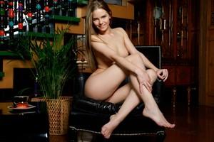 Carolina Sampaio - Sleek And Sweet-p6rwvgjvwz.jpg
