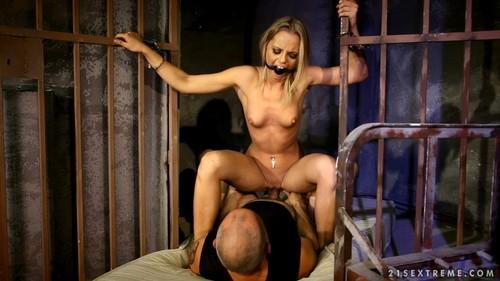 Caged Slut – Vanda Lust
