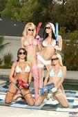 Capri Cavanni & Codi Carmichael & Jayden Jaymes & Ricki White - Oil Overload 36rvulnnum.jpg