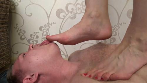 Angela - barefoot trampling Full HD