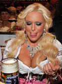 Daniela-Katzenberger-sexy-cleavage-pics-v6s8i4mfqj.jpg