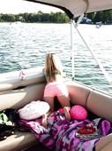 Avril-Lavigne-stolen-nude-pics-z6s8i7wn6i.jpg