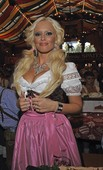Daniela-Katzenberger-sexy-cleavage-pics-16s8i4njsw.jpg