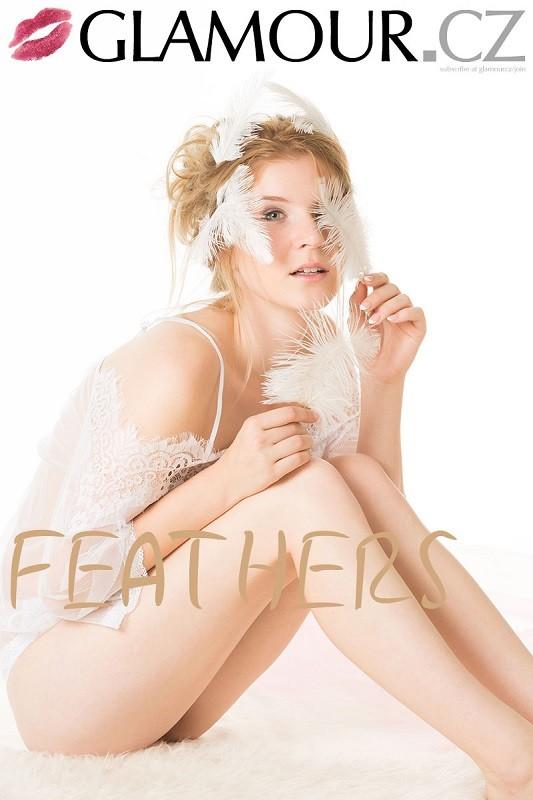Karina - Feathers - x43 - 4000px (18 Oct, 2018)