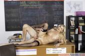 India-Summer-My-First-Sex-Teacher-375x-2500x1667-k6sgs60xkb.jpg