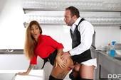 02ohp4vjat13 - Jade Presley y Venus Afrodita Multi-Course Cum Dinner