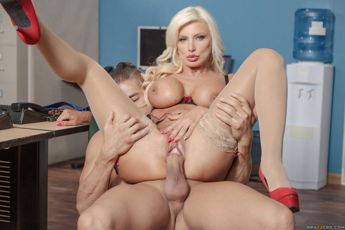 Big Tits At Work - Brittany Andrews (Mixed Message Mailboy)