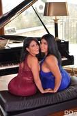 g72aaqkz6me2 - Hermanas Ortega Busty Lesbians Cum Hard Kesha Ortega Sheila Ortega