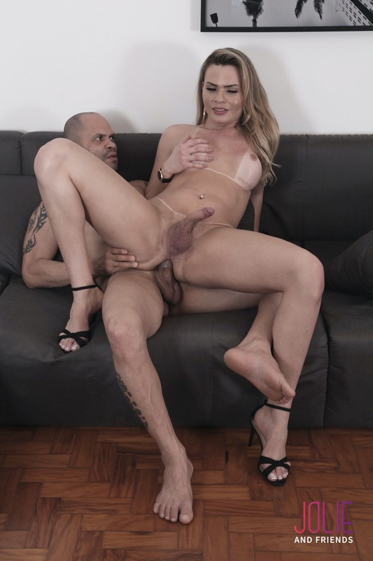 Lara Machado The Finest Blonde (9 November 2018)