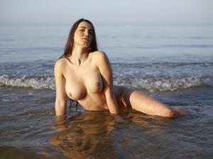 Hegre-Yara-Sea-Goddess-h6s1qnto7l.jpg