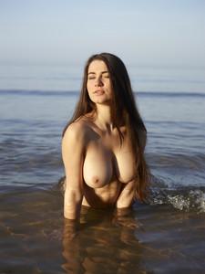 Hegre-Yara-Sea-Goddess-e6s1qn5y3l.jpg