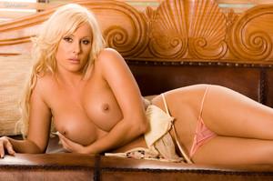 Melissa Wilcox - Kiss Me Im Horny v7cj9g82pa.jpg