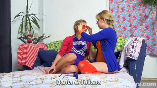 Hania & Juliana -  (Abbywinters.com-)