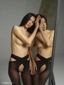 Nicolette-beauty-reflected-x46-11608x8708-h6s39cd7yl.jpg