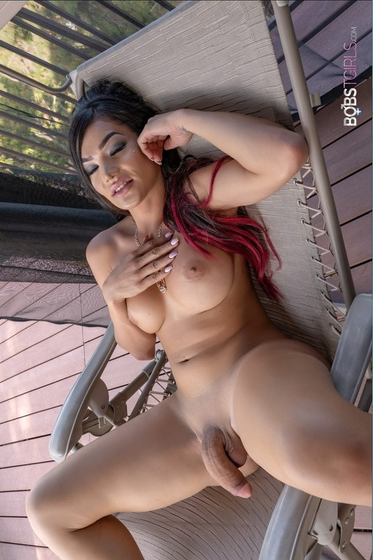 Kimmie Bombshell Cumming Under The Sun (14 November 2018)