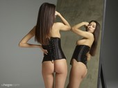 Nicolette-twins-x48-11608x8708-u6s4oajg0w.jpg