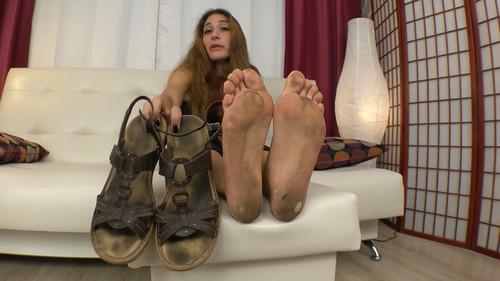 Few Days Unwashed Feet Hippie Girl FULL HD
