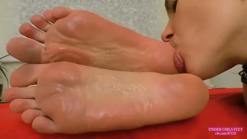 Lesbo Slut Cleans My Feet After Day in Flip Flops HD