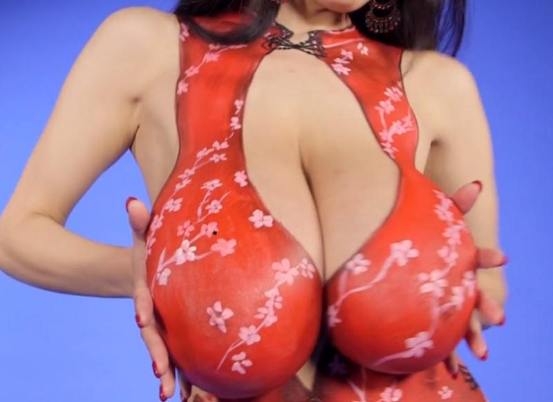 Hitomi Art fully Naked